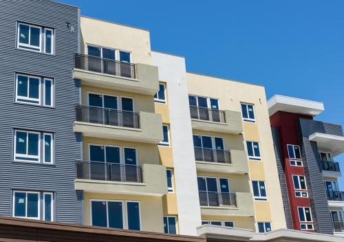 nowe mieszkania Jak kupić mieszkanie na wynajem z perspektywami?